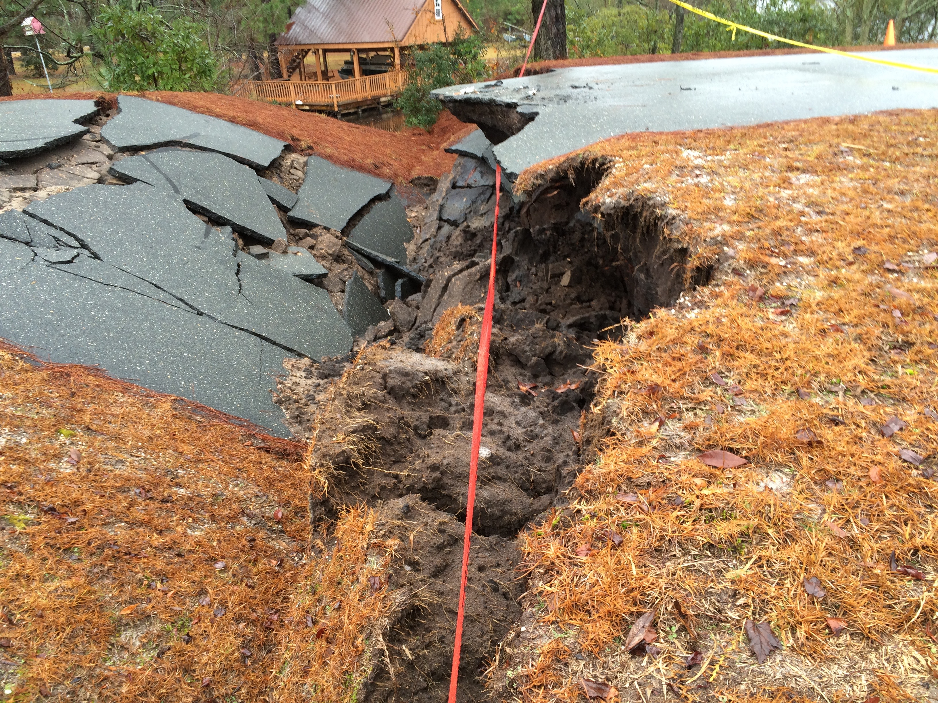Bay Tree Lks Road Collapse2