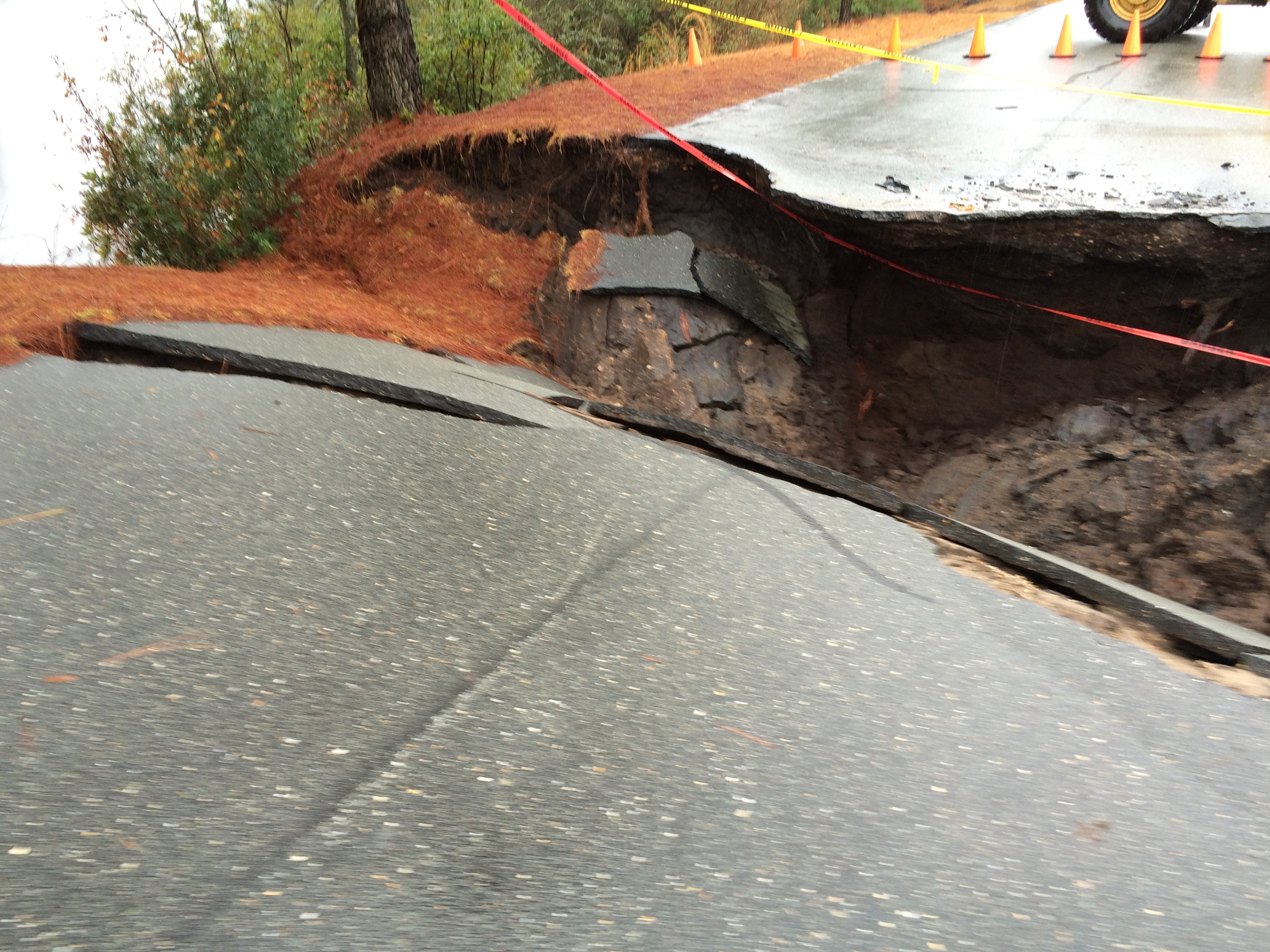 Bay Tree Lks Road Collapse3