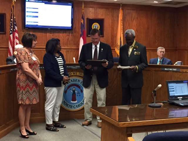 bladen-county-commissioners-recognize-employees-in-october-2016-4