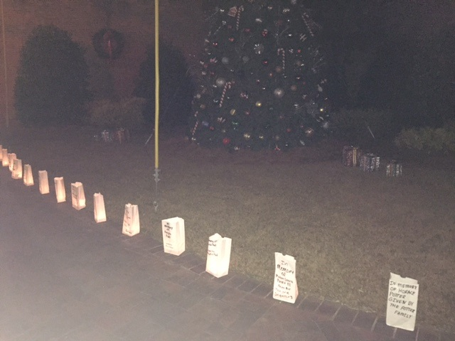 bladenboro-christmas-tree-luminaries